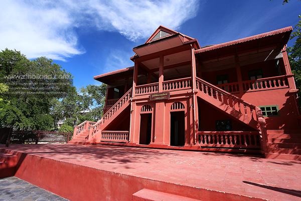 ตลาดเก่าอ่างศิลา และตึกแดง-ตึกขาว ชลบุรี
