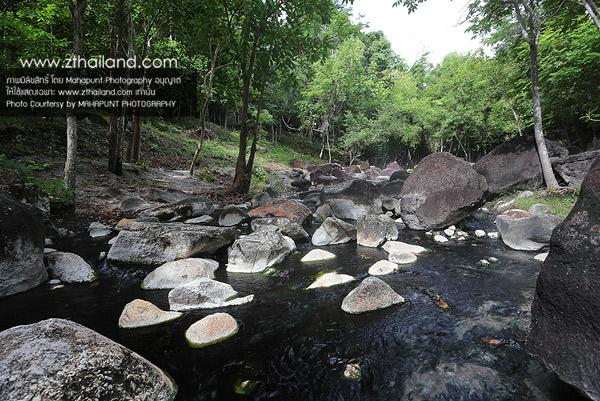 ธารน้ำร้อนบ่อคลึง สวนผึ้ง ราชบุรี