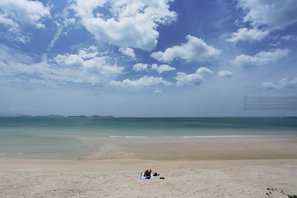 อ่าวแขวงเภา (หาดขนอม) นครศรีธรรมราช