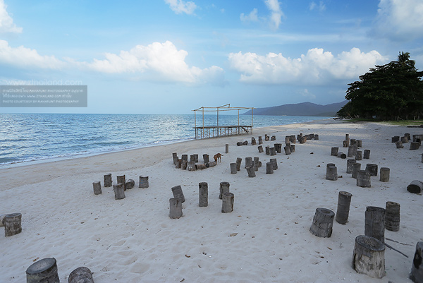 หาดหน้าด่าน (หาดขนอม) นครศรีธรรมราช