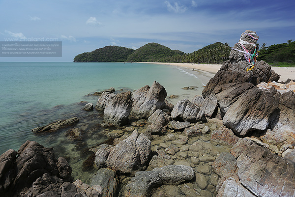 หาดท้องโหนด (หาดขนอม) นครศรีธรรมราช