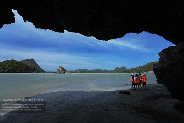 บ่อน้ำจืดกลางทะเล หลวงปู่ทวดเหยียบน้ำทะเลจืด (เกาะนุ้ย) นครศรีธรรมราช