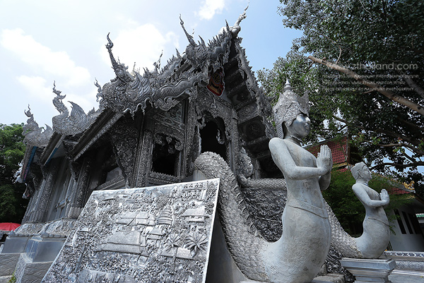 Suphan Wat Mai temple funds