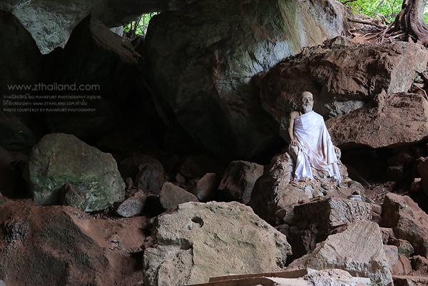 วัดถ้ำสุวรรณคูหา พังงา